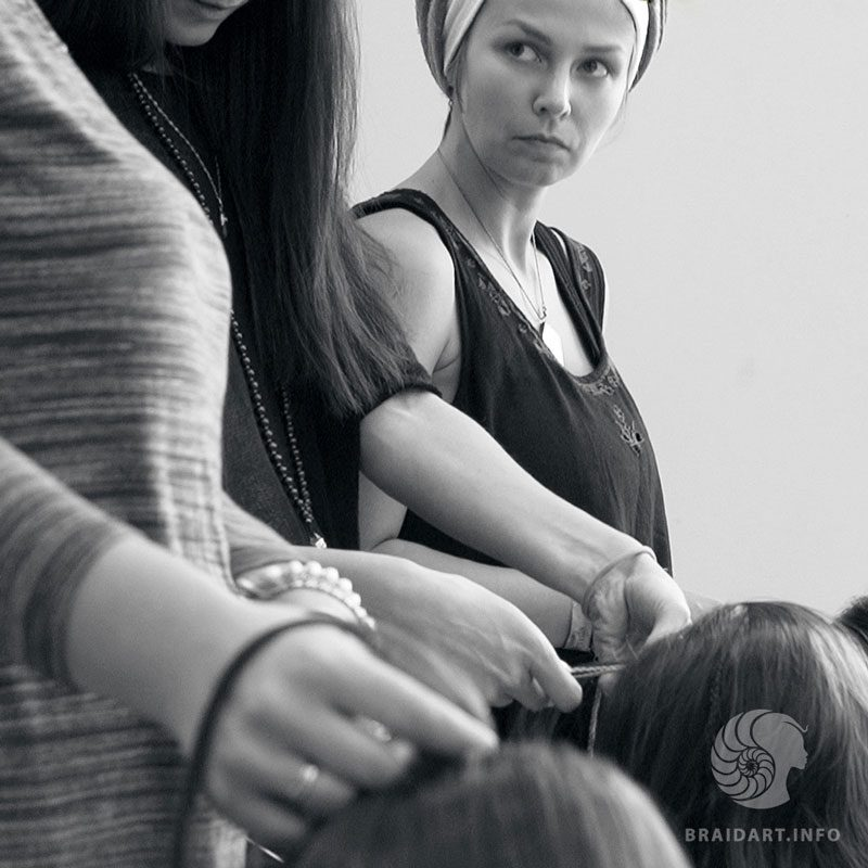 плетение французских косичек обучение
